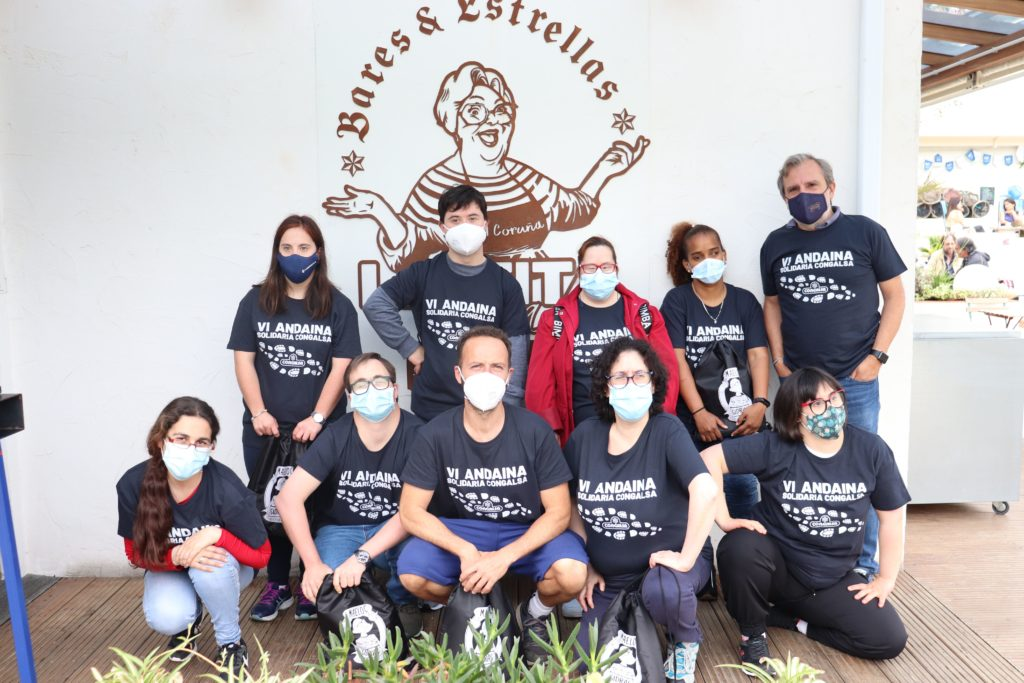 Participación de Down Coruña en la VI Andaina Solidaria de Congalsa, salida desde La Tita Rivera